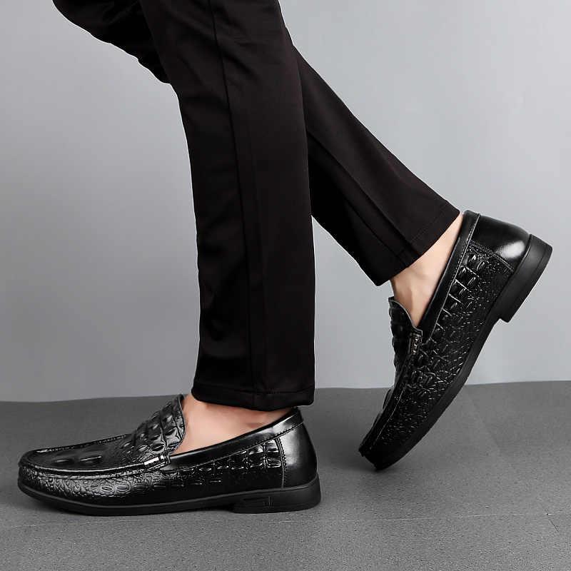 Ayakkabı erkek mokasen ayakkabıları deri mokasen timsah tarzı ayakkabı üzerinde kayma düz sürüş tekne ayakkabı klasik erkek Chaussure Homme 38-46