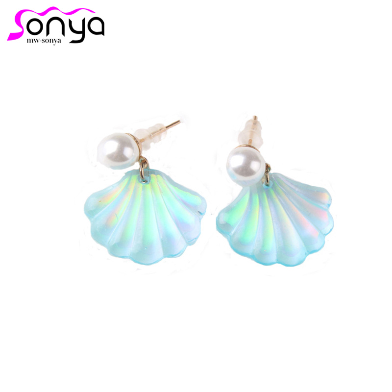 Cute Shell Stud Earrings for Women Fashion Ear Accessories Pearl Stud Romantic Small Earrings oorbellen 4A1006