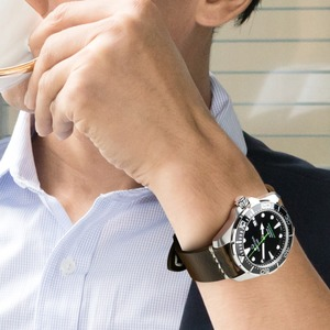 Image 4 - MAIKES Vintage Öl Wachs Leder Uhr Band Uhr Zubehör Armband 20mm 22mm 24mm Blau Armband Armband für Omega MIDO