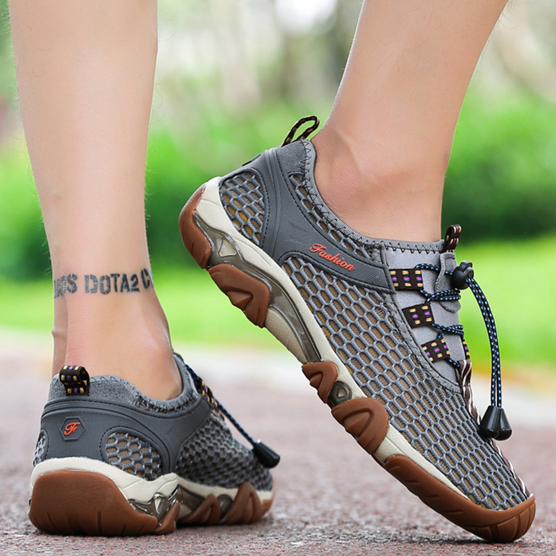2019 Summer New Outdoor Hiking Shoes Men s Breathable Walking Shoes Wear Non slip Mesh Cloth