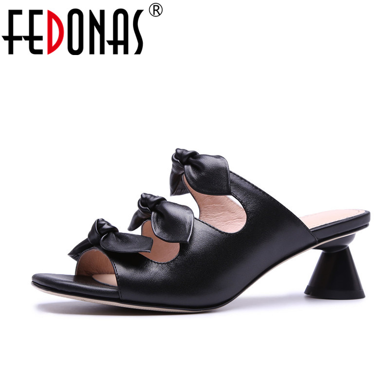 FEDONAS Sandals Women 2018 Summer Genuine Leather Comfortable Med Heels Open Toe Fashion Summer Shoes Woman Casual Sandals summer mother shoes woman genuine leather soft outsole open toe sandals casual flat women shoes 2018 new fashion women sandals