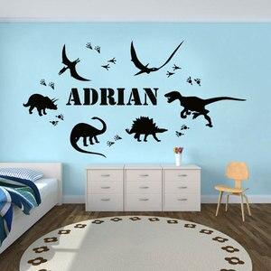 Image 1 - Park jurajski dinozaur ślad spersonalizowane nazwa winylowe naklejki ścienne wystrój domu chłopcy pokoju naklejka niestandardowe wymienny DIY Mural ER37