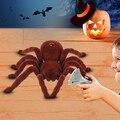 Realista Creepy Scary Infrarrojos RC Control Remoto Araña de Peluche de Halloween Toy Store 34