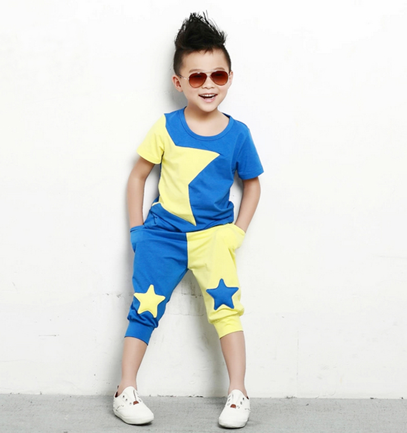 Discover the latest fashion trends for the most stylish kids. Find this Pin and more on Mini Style by Hello Fashion Blog. 12 Ways to Be a Happier Mom cute boy style with gray flannel shirt, white t-shirt, black skinny jeans and yellow lace up boots.