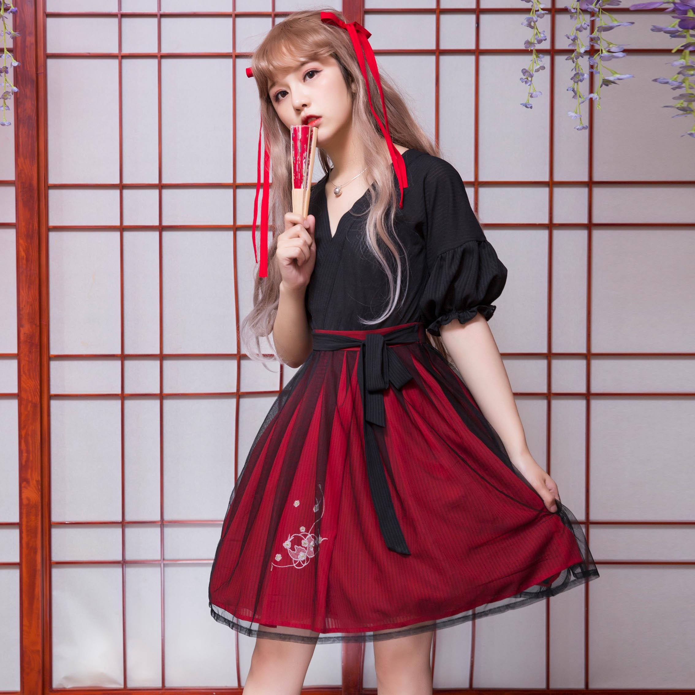 Ling ยาว Tou (ลูกเต๋าประณีต)   สง่างามประเพณีจีน Hanfu สีดำ + ชุดสีแดง Han องค์ประกอบแขนสั้นชุดชิ้น-ใน ชุดเดรส จาก เสื้อผ้าสตรี บน   1