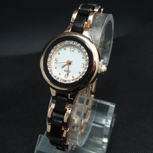 Wholesale Style Rose Gold Tone Crystal Watch Girls Girls Crystal Quartz Costume Watch Wristwatches m-9