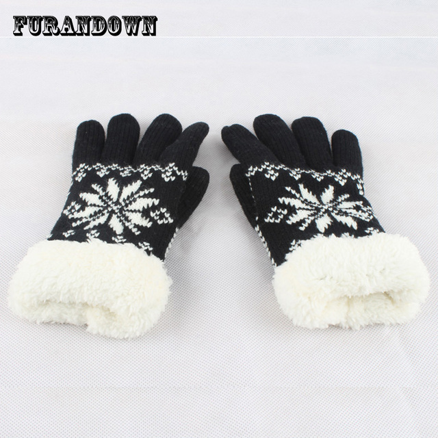 4b972e6e9 2018 winter women gloves snowflake knit mittens touch gloves for phone  ladies warm fleece wool gloves