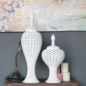 Tall CHINESE WHITE COLOR GLAZED PORCELAIN CERAMIC TEMPLE JAR/GINGER JAR(China)