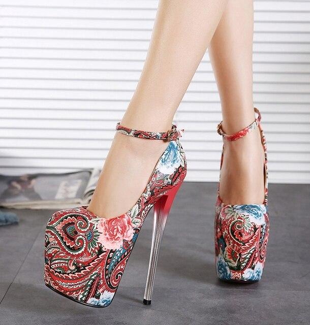Mujeres zapatos bombas tacones 20 cm suelas gruesas Peep Toe modelo Catwalk  Nightclub Sexy sandalias impermeables c9c01c37b0e9