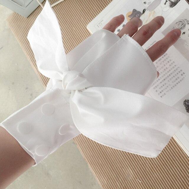 Organisateur en mousseline de soie gris et soyeux | Nœud papillon, bleu coton maman manches décoratives faux tempérament blanc noir en mousseline, écusson col en dentelle soyeuse