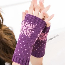 Autumn Winter Women Gloves Snowflake Crochet Knitted Fingerless Short Warm Mittens Christmas Female