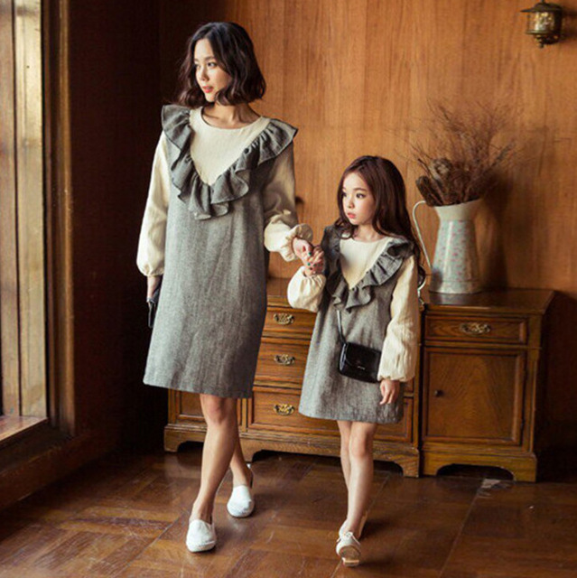 Family Clothing Mother Daughter Dresses for Girls Autumn Long Sleeve Cotton Lace Dress Korean Mom and Daughter Dress Family Look