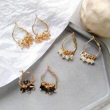 цена на Fashion Jewelry Golden Triangle Small Black White Glass Drop Earrings Woman Gift