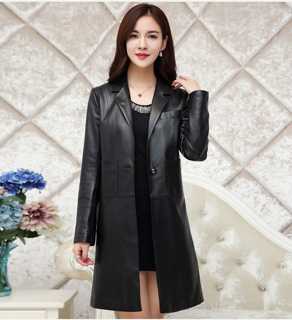 Leather coat lady – Modern fashion jacket photo blog