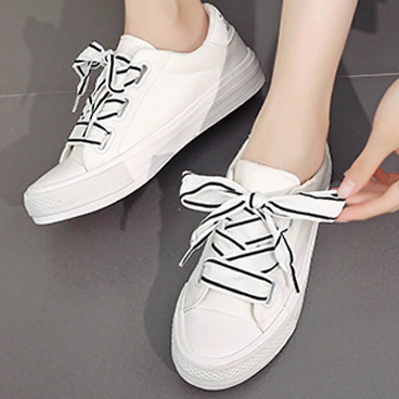 Women casual shoes height increasing designer canvas shoesfor girls shallow lace-up female sneakers 2018 new fashion