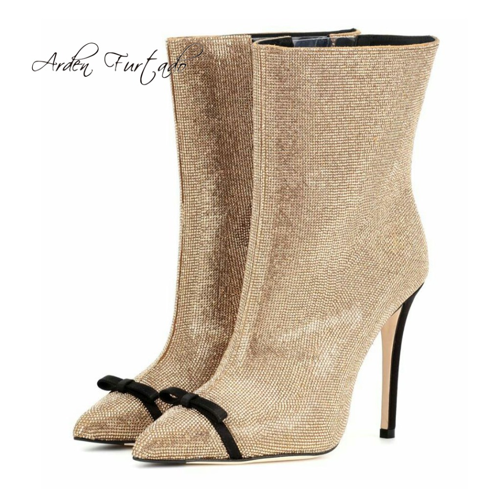 Chiusura Punta Piedi A Scarpe Caviglia Dei 43 Di Argento Donna Gold Stivali  Della Farfalla Dita ... 8e4008cfc42