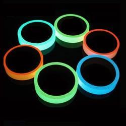 Светоотражающий светящийся клейкие ленты самоклеющиеся Стикеры съемный световой клейкие ленты флуоресцентные светящиеся темно яркий