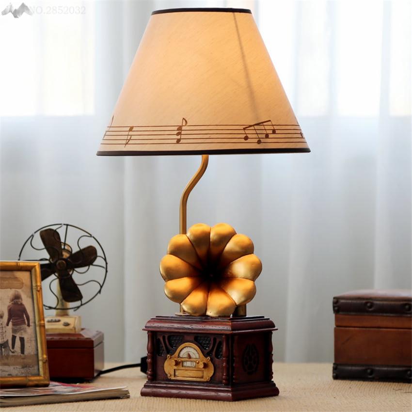 Jw New Creative Retro Phonograph Design Resin Table Lamp