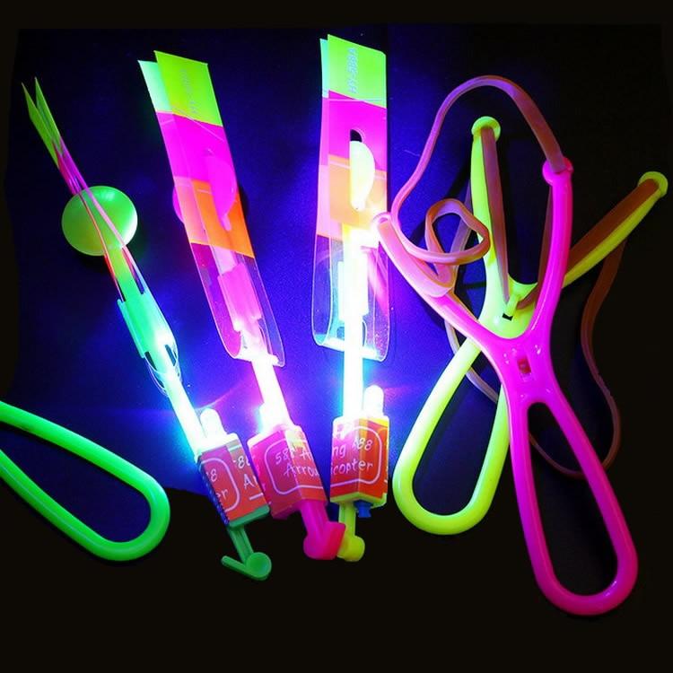 Brinquedos voadores led, 5 peças, led, piscando brinquedos, flecha voadora, helicóptero, luz led, estilingue, flecha, helicóptero, cristmat, presente, brinquedos fg03