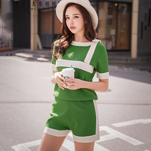 Dabuwawa Womens Knitted Sets Summer New Casual Striped short-sleeved T-shirts Shorts Suits D18BSA003