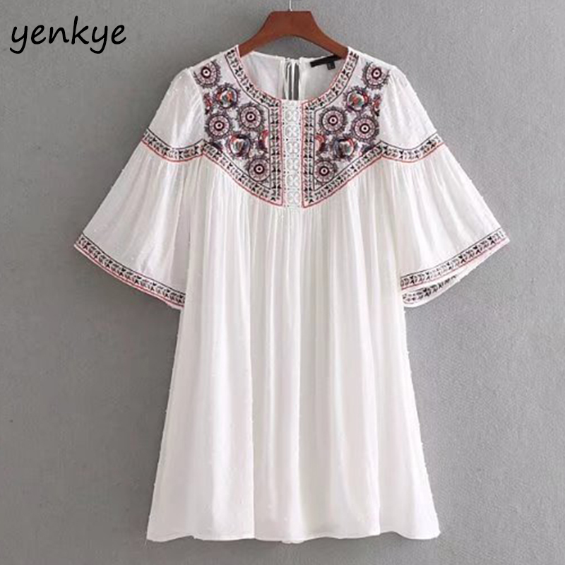 Summer 2018 Women Floral Embroidery Dress O Neck Short Sleeve Dotted  Pleated Short Dress Casual vestidos mujer CCWM8530