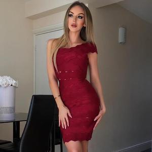 Сексуальное женское платье винно-красного цвета, на одно плечо, до колена, из вискозы, Бандажное платье