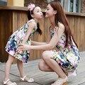 2016 nuevo vestido de verano chica juego de ropa madre e hija familia mirada sin mangas vestidos baby girl clothing estampado de flores
