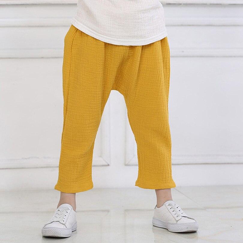 Купить с кэшбэком New 2-7y 2020 Summer Solid Color Linen Pleated Children Knee-length Pants for Baby Boys Girls Pants Harem Pants for Kids Child