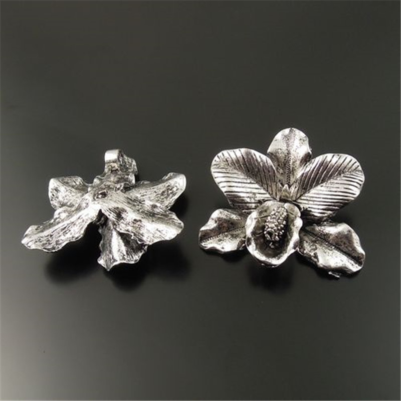 wholesale 2//6pcs Vintage Silver Tone Carving flower Alloy Bookmark Jewelry