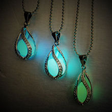 2017 NEW Fashion Teardrop Glow in Dark Pendant Necklace Special Valentine Gift Glowing Necklace & Pendant for Women Girl