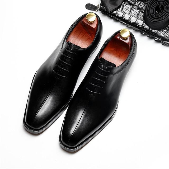 Genuíno couro de vaca brogue sapatos De Casamento dos homens de negócios casuais plana sapatos feitos à mão do vintage oxford sapatos para homens marrom preto primavera