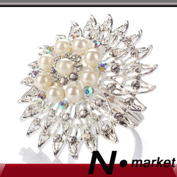 N.market Factory Velkoobchod 12 ks / lot Silver Pearl Svatební Party Tabulka Diamond dekorace ubrousky držáky