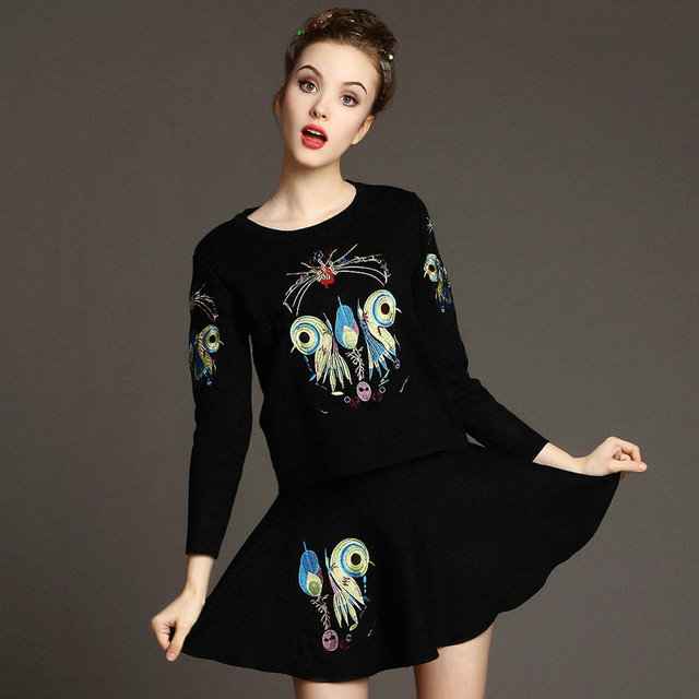 new Autumn girl's Knitting skirt suit Sweet Embroidery long sleeved sweater + Umbrella skirt 2 pieces sets fashion knitted suit