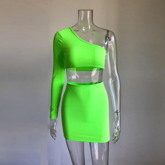 KGFIGU femmes ensembles 2019 nouveaux arrivants une épaule orange et vert deux pièces ensembles sexy hauts et jupes survêtements ensembles assortis 3