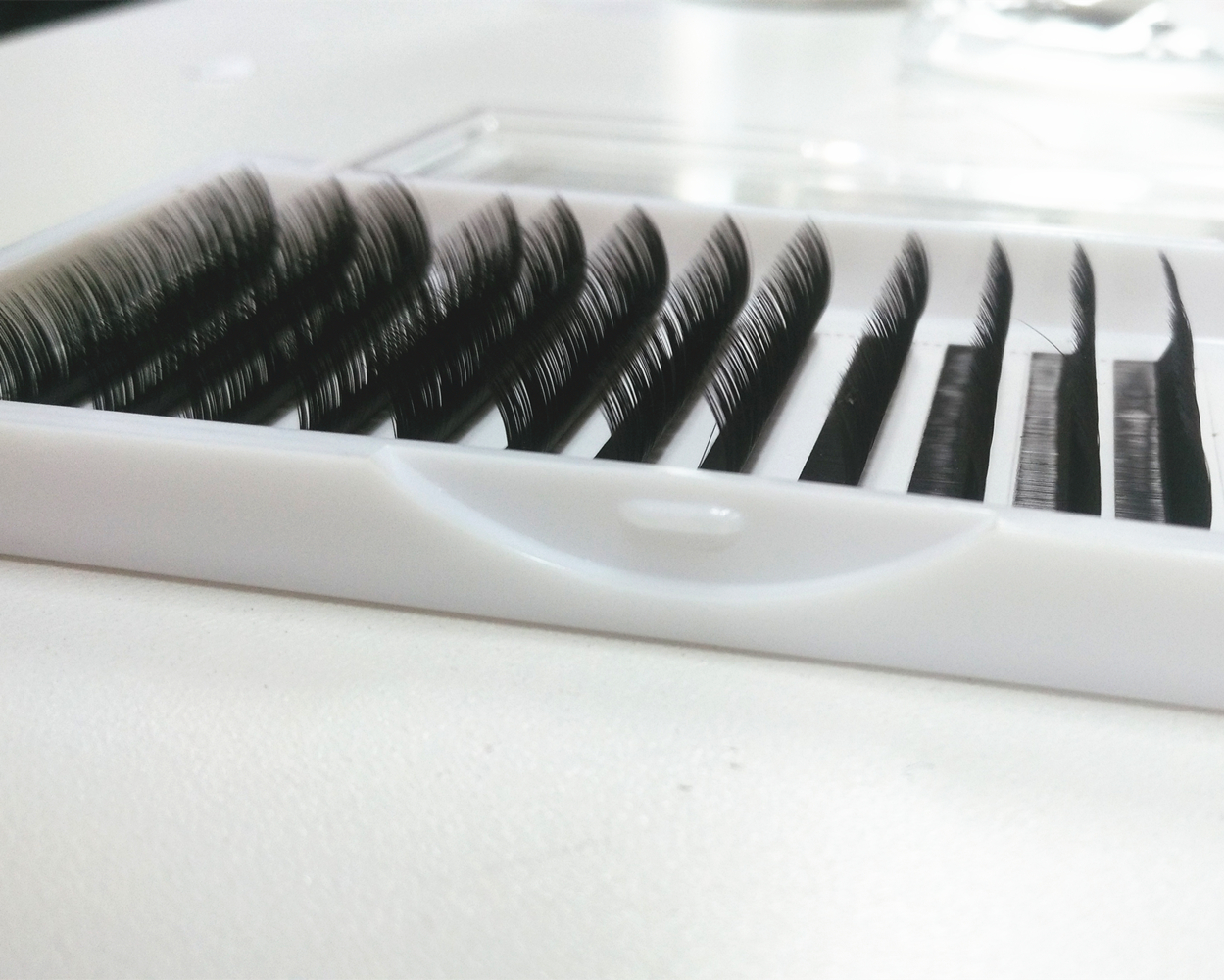 все цены на L Curl Silk Individual lash Flat Lashes Extensions Factory Supplied large Stock Immediate Shipping Mix length All Size We Offer онлайн