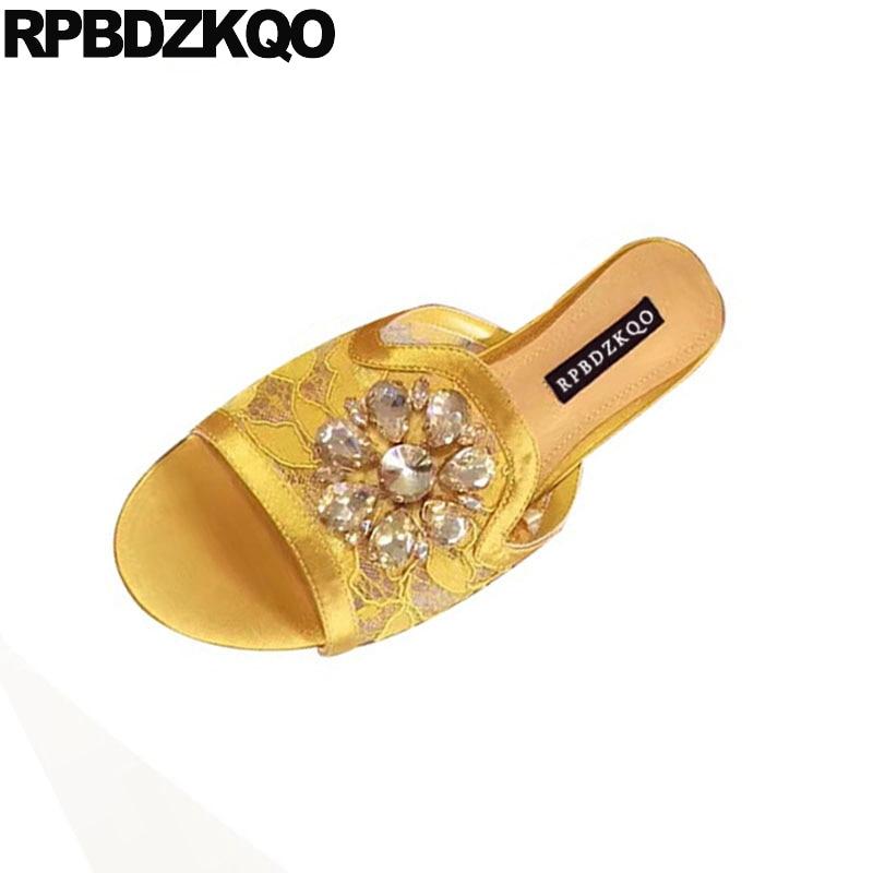En Diamant Slip Jaune Rouge Pantoufles Élégant blanc jaune Rose rose Sandales Dentelle Embelli D'été Diapositives Cristal 2019 Femmes Plat Strass Chaussures Belle Sur ttSwYv