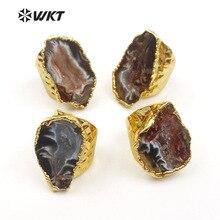 Женское кольцо с натуральным камнем и золотым металлическим покрытием