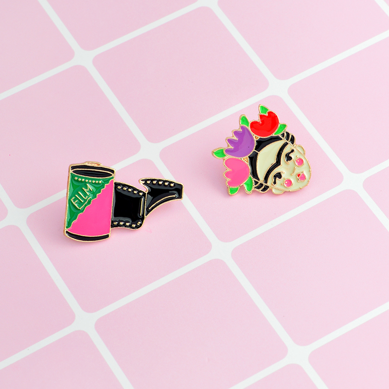 QIHE JEWELRY Frida Kahlo Artist Dolphin eye film badge hard enamel lapel pin Brooches Pins up Cute jewelry for women girls
