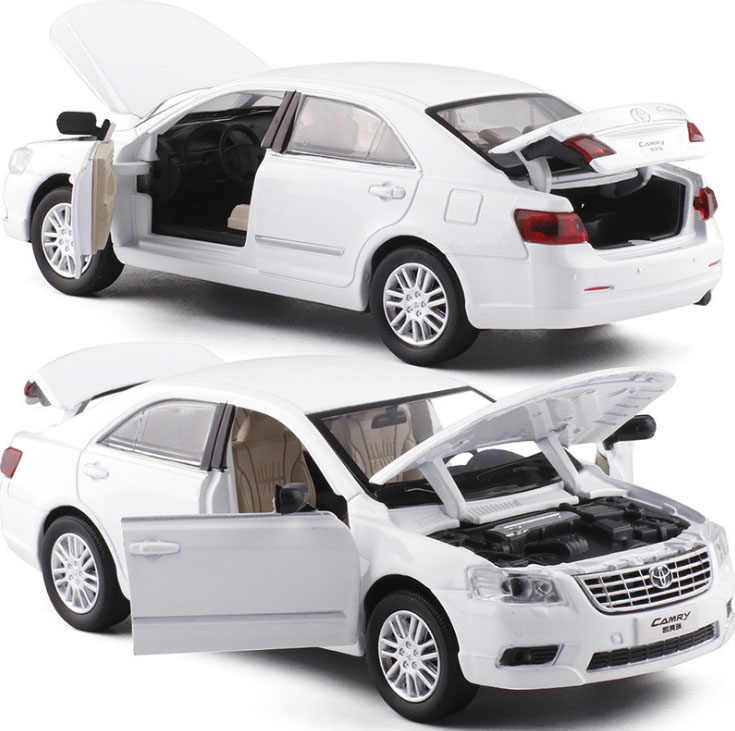 1:32 Scale TOYOTA CAMRY Alloy Diecast Car Model With Pull Back Flashing For Children Gifts Car Toys Free Shipping