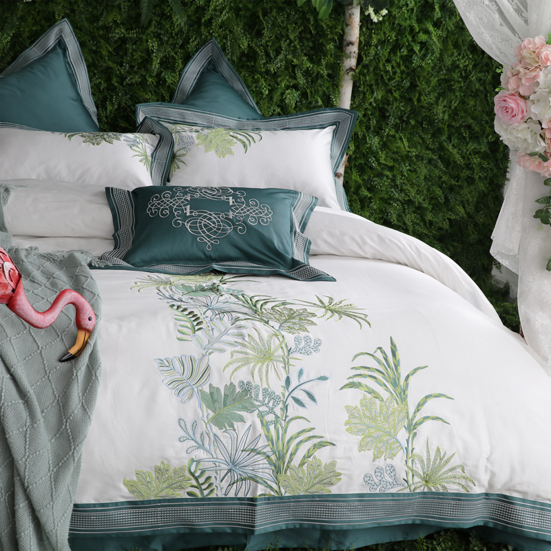 Luxury 100S Egyptian cotton Green White Embroidery Bedding Set King Queen Size Duvet Cover Bed sheet/Linen Pillowcases 4/7pcsLuxury 100S Egyptian cotton Green White Embroidery Bedding Set King Queen Size Duvet Cover Bed sheet/Linen Pillowcases 4/7pcs