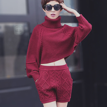 2017 Spring new women's suits cashmere knitted suit two-piece gray shorts + long-sleeved bat shirt high-necked sweater two sets