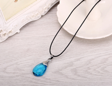 Hot Anime Sword Art Online Metal Necklace Yui's Heart Blue Crystal Pendant Cosplay Accessories Jewelry can Drop-shipping