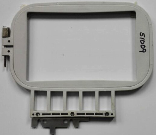Singer Futura Small Embroidery Hoop for Models CE 100,CE150,CE200,CE250 CE350