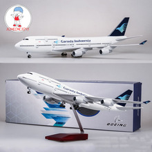 цена на 47CM 1/150 Scale Airplane Model Toys Boeing B747 Garuda Indonesia Aircraft Model with Light and Wheels Resin Plastic Alloy Plane