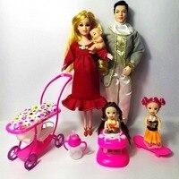 TNNFAAWN Giocattoli Famiglia 5 Persone Bambole Vestiti 1 Mom/1 Papà/2 piccolo Kelly Ragazza/1 Bambino Figlio/1 Carrozzina Reale Incinta Regali della Bambola