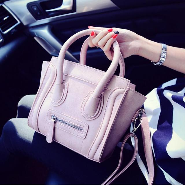f4f8e93bfbbf US $22.96 |Bolsos Mujer 2017 Trapeze Smiley Tote Bag Luxury Brand Pu  Leather Women Handbag Shoulder Bag Famous Designer Crossbody Bags Sac-in  Shoulder ...