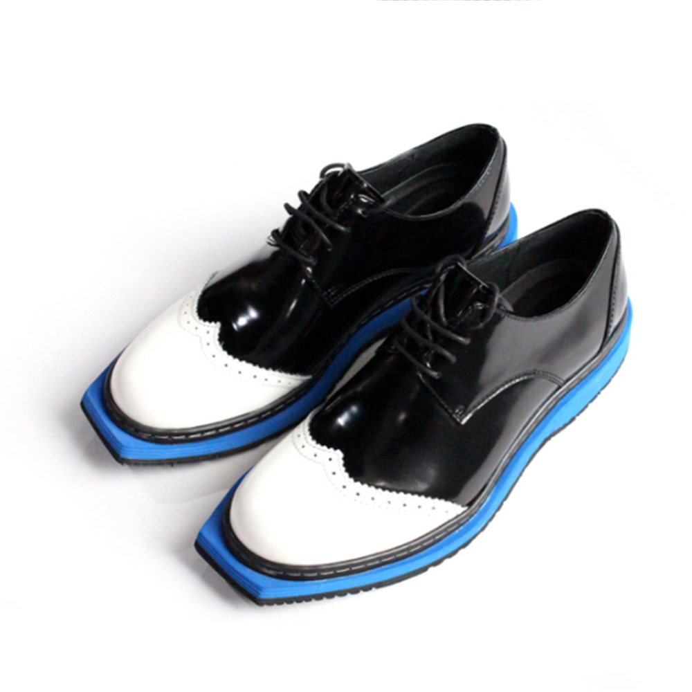 Flat head men's shoes design black and white hit color blue leather carved leather shoes men