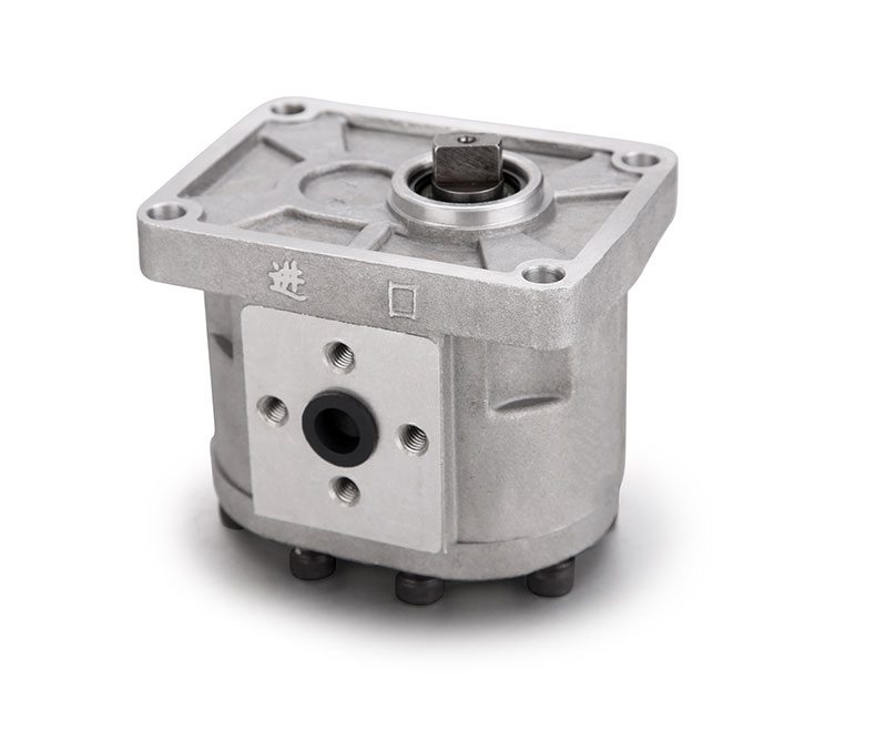 YTO 454 504 550 554 series tractor parts, the hydraulic gear pump