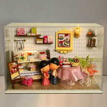 Cute Families House DIY Wooden Dolls Furniture Accessories for Valentine Gift Kids Toys Juguetes Brinquedos