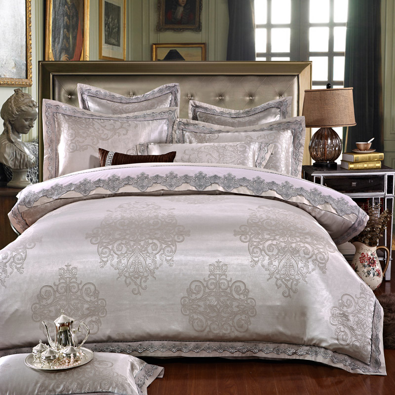 White Silver Color Jacquard Luxury Bedding sets 4/6 Pcs Queen/King size lace cotton Stain Bed set  Bed linen Duvet cover pillowWhite Silver Color Jacquard Luxury Bedding sets 4/6 Pcs Queen/King size lace cotton Stain Bed set  Bed linen Duvet cover pillow